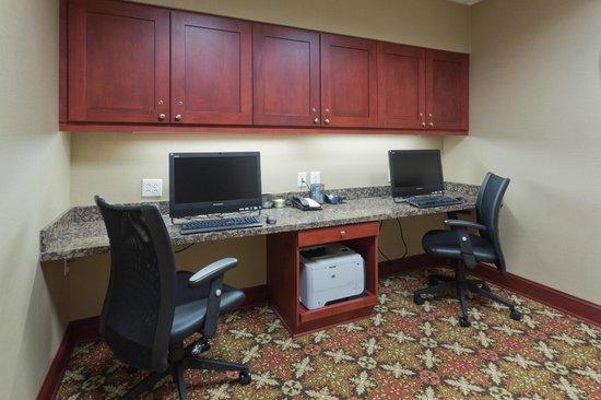 Hampton Inn & Suites Prattville: Business Center