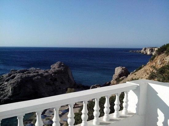 Castelia Bay: balcony view