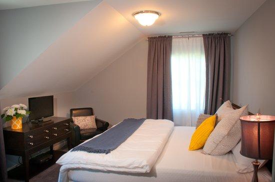 Millbrook Village Inn: Room 2