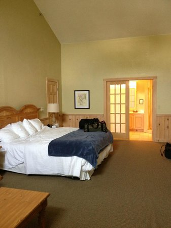 Spruce Point Inn Resort and Spa: Room