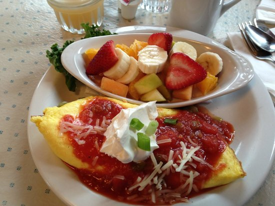 Lazy Susan Cafe: Fiesta Omelet with fruit on the side - yummy and filling!