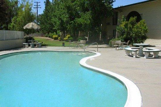 Heritage Inn Express Roseville: Pool