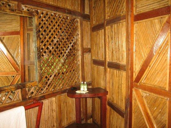 Yandup Island Lodge: baño