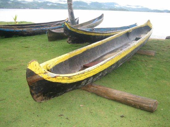 Yandup Island Lodge: canoas típicas