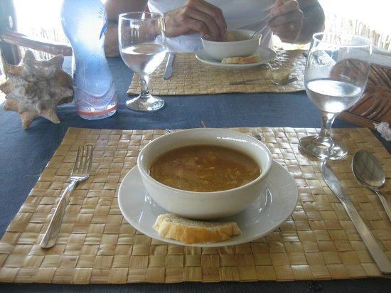 Yandup Island Lodge: sopa!