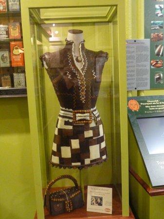 Erico - Creative Chocolate Shop and Chocolate Museum : dress and purse made of chocolate