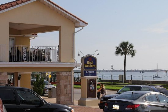 Best Western Bayfront: Hotel front