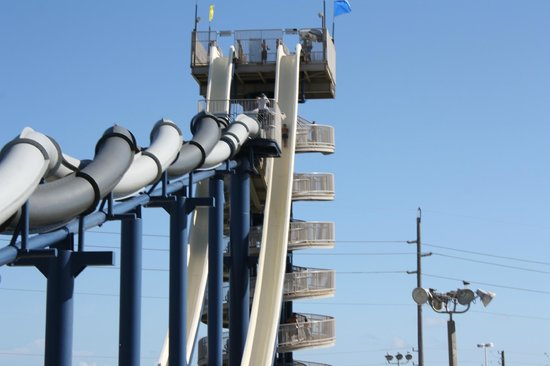 Schlitterbahn Galveston Island Waterpark: Big slide.. AWESOME