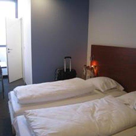 Century Hotel: 部屋内装