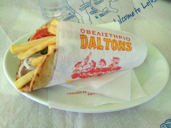 Daltons: Best gyros pita