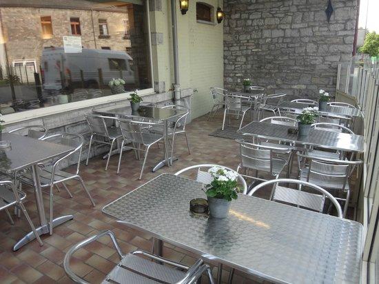 Hôtel Iris Aubépine : terrasse