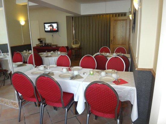 Hôtel Iris Aubépine : petit dejeuner