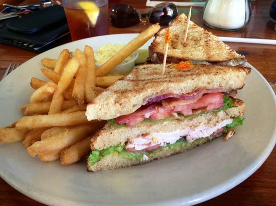 158 Main Restaurant & Bakery: Grilled chicken and guacamole sandwich