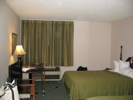 Decent room, flat screen TV - Quality Inn, Arcata