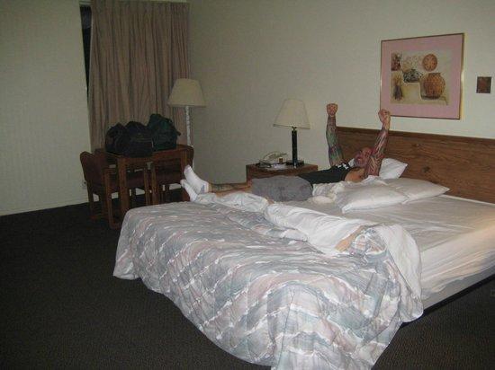 Rodeway Inn: Big Bed!