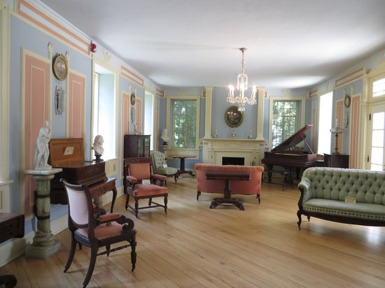 Burritt on the Mountain: 1st Room you see, beautiful