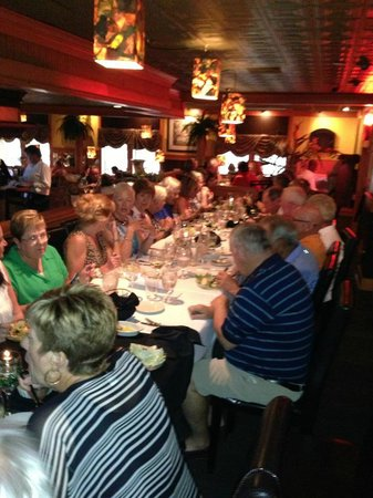 Bratta's Seafood Steaks & Pasta : Table of 35
