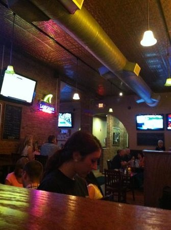 Eddie O'Briens Grille & Bar: one side dining area