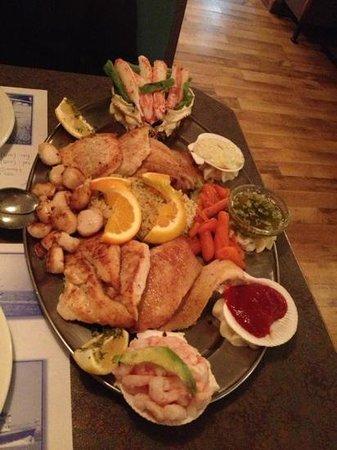 Chez Julie: assiette poisson/fruits de mer