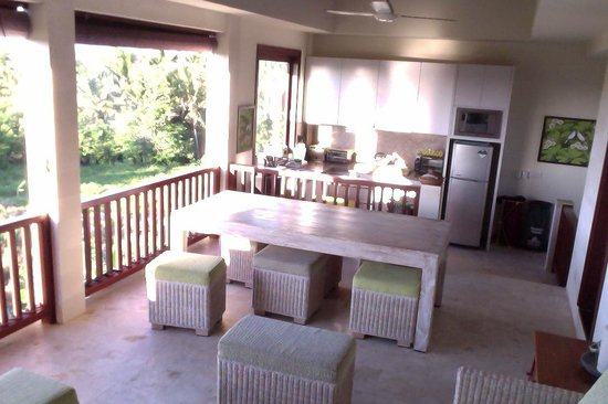 Homestay Bali Starling: Breakfast table