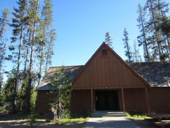Mazama Village Motor Inn : A-frame cabins
