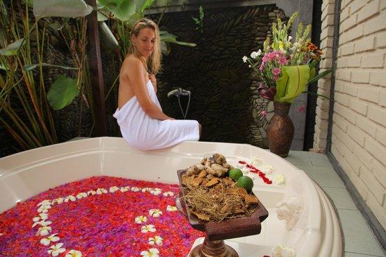 Bhisma Spa: bath