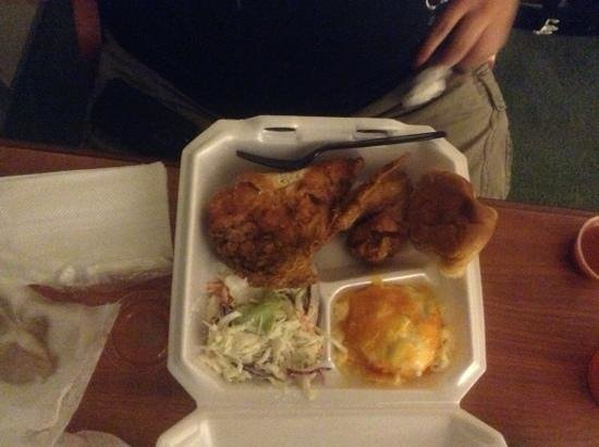 Chicken Lickin' Hickory House: great Home cooked meal! Tasty and Moist!