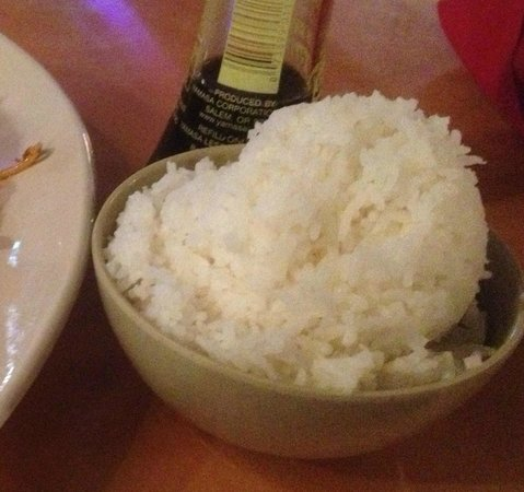 Thai Thai Restaurant: Cup of rice that comes with a meal
