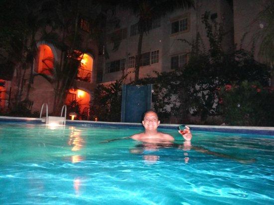 BRIC Hotel & Spa: Piscina hotel