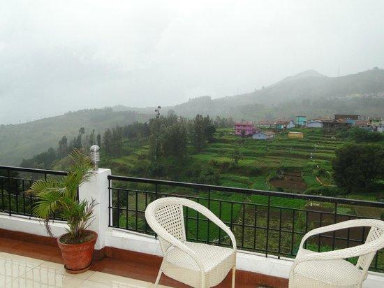 Mount 'n' Mist: View 1