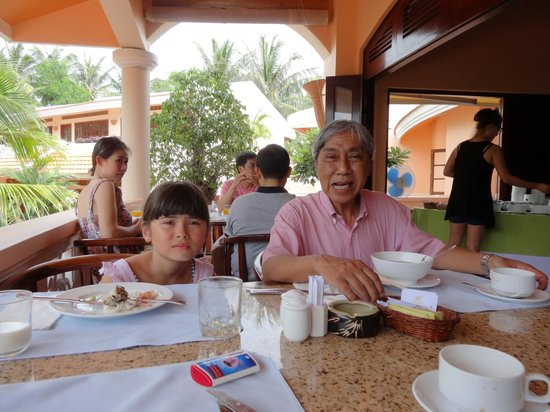 Phu Hai Resort: at breakfast