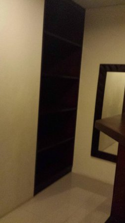 Bali Sanur Beach Villas: The dressing room area