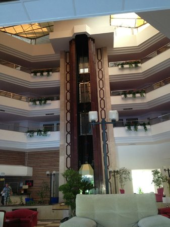 Sirius Hotel : лифт
