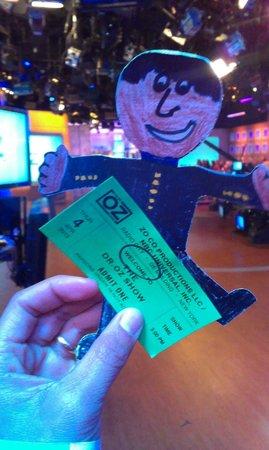 The Dr. Oz Show: Flat Andrew snuck into NBC studio via my purse!