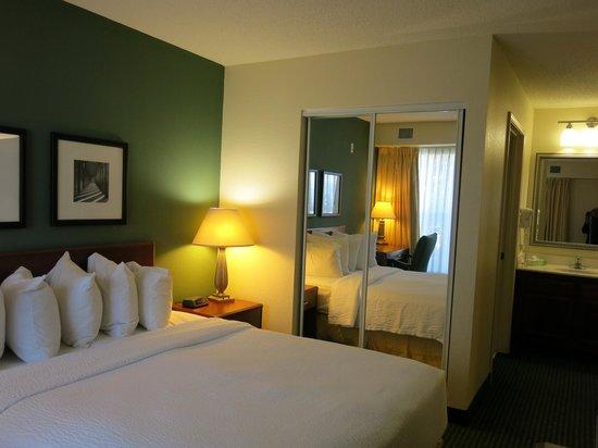 Residence Inn Scranton : one of the 2 bedrooms