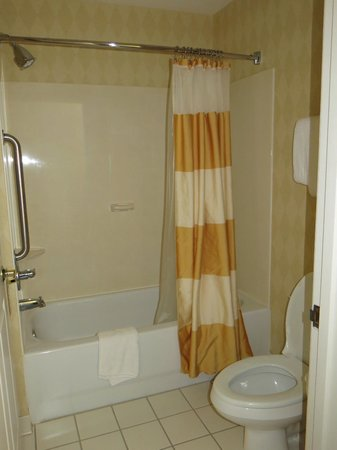 Residence Inn Scranton : Bathroom
