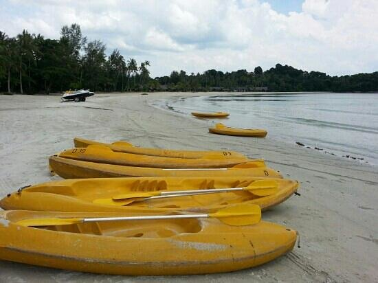 Nirwana Gardens Mayang Sari Beach Resort: The kayak - only S$14 per hour for two persons