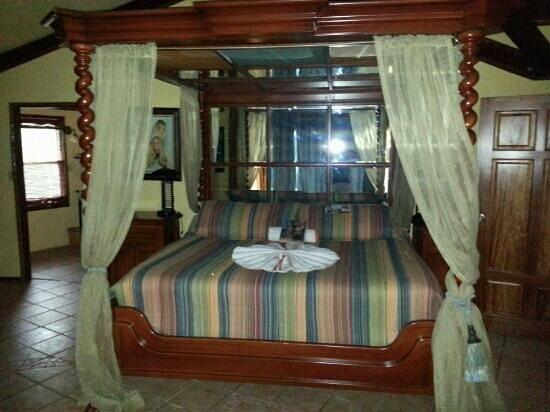 Nautical Inn: The Eagle's Nest