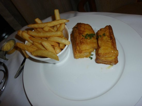 The Langham, Melbourne: The very disappointing Monte Cristo sandwich at $27