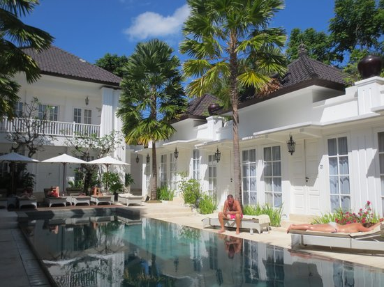 The Colony Hotel Bali: The courtyard and pool area