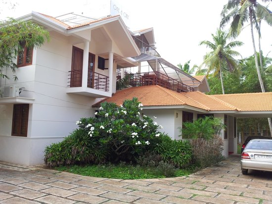 One & Only Homestay: entrance