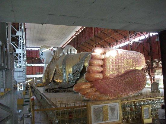 Chaukhtatgyi Buddha : チャウタッジー寺院