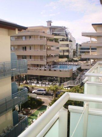 Hotel Sorriso : Вид с балкона основного корпуса.