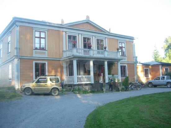 Malby Sateri B&B: Part manor-house, part working farm