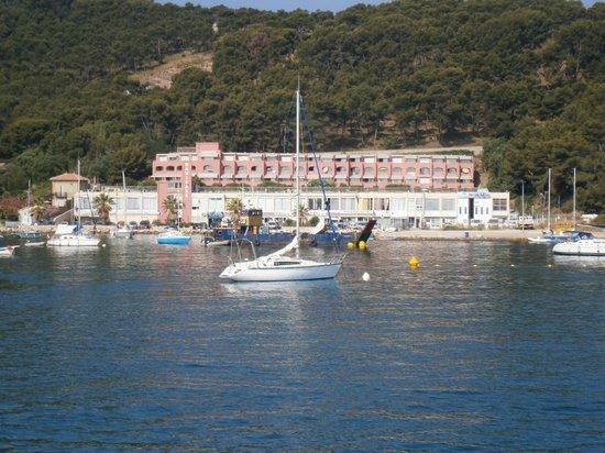 Maeva Résidence Les Jardins de la Côte d'Azur : Il residence visto dal mare
