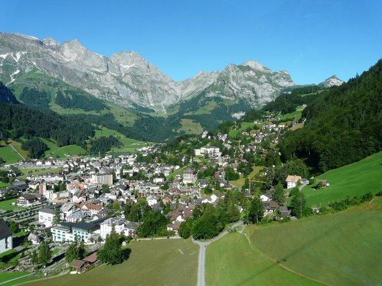 Hotel Engelberg: Vue d'Engelberg