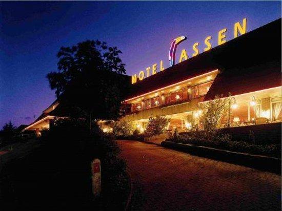Van der Valk Hotel Assen: Mooie ligging langs de snelweg waar je niks van hoort in je kamer.