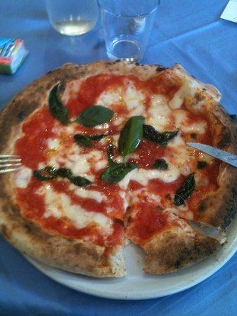 Pizzeria Pino Smeraldino : Margherita's Pizza
