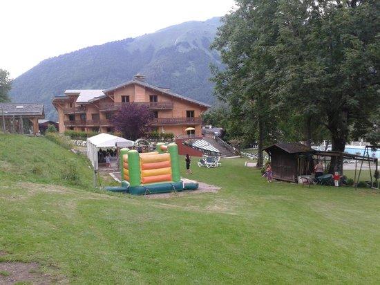 Hotel Club Le Cret : Parc de l'hôtel