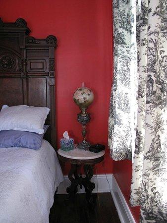 La Belle Esplanade: La France Suite bedroom